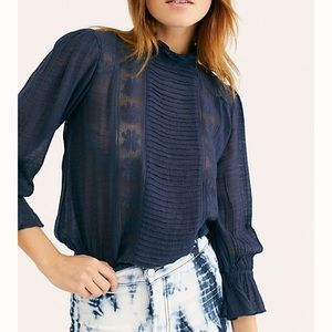 Free people top! Cotton blend